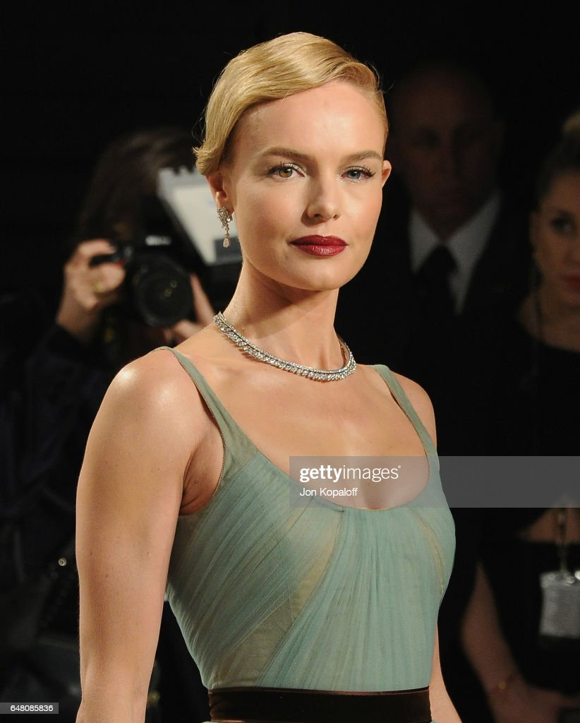 Actress Kate Bosworth arrives at the 2017 Vanity Fair Oscar Party Hosted By Graydon Carter at Wallis Annenberg Center for the Performing Arts on February 26, 2017 in Beverly Hills, California.