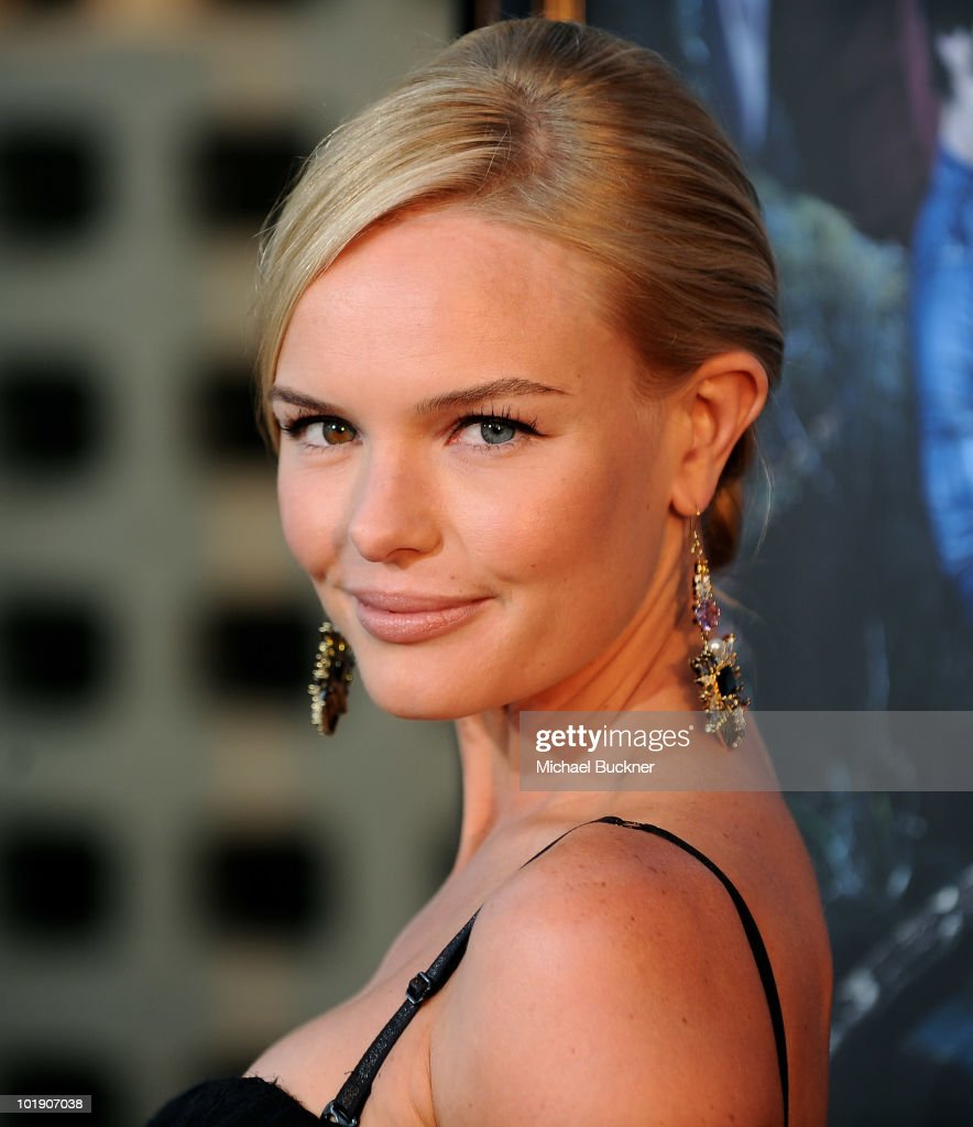 Actress Kate Bosworth arrives at the premiere of HBO's 'True Blood' Season 3 at The Cinerama Dome on June 8, 2010 in Hollywood, California.