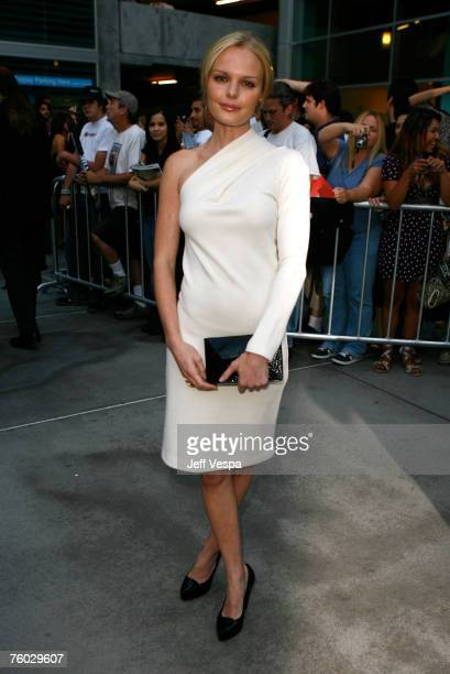 """Actress Kate Bosworth arrives to the premiere of """"The 11th Hour"""" at the Arclight Cinemas on August 8, 2007 in Hollywood, California."""