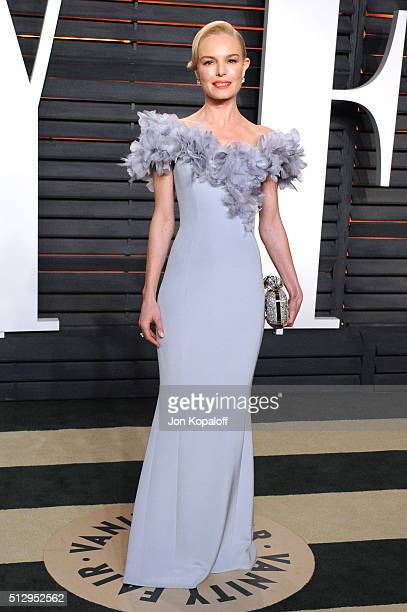 Actress Kate Bosworth attends the 2016 Vanity Fair Oscar Party hosted By Graydon Carter at Wallis Annenberg Center for the Performing Arts on...
