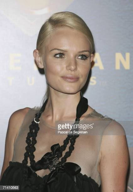 Actress Kate Bosworth poses as she attends the premiere of Bryan Singer's film Superman Returns on July 10 2006 in La Defense outside Paris France