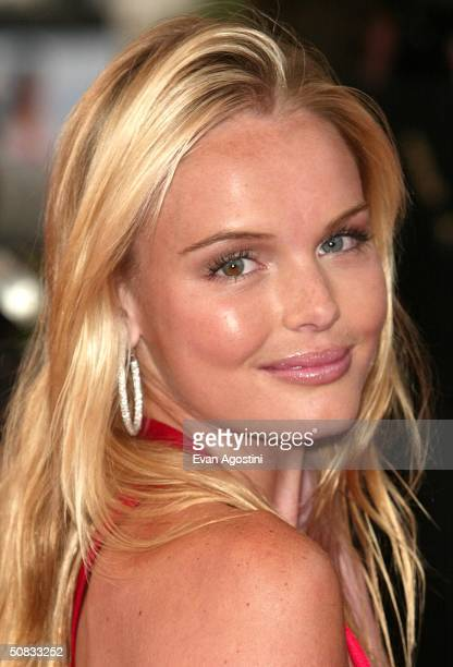Actress Kate Bosworth wearing Chopard jewelry attends the World Premiere of the epic movie Troy at Le Palais de Festival on May 13 2004 in Cannes...