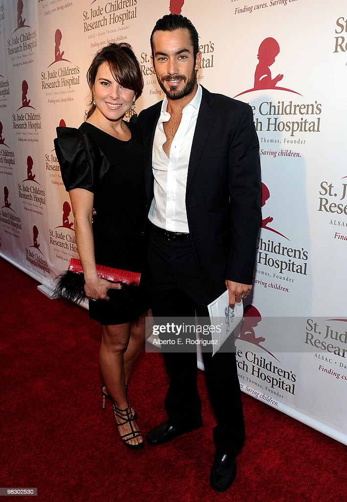 actress kate del castillo and husband aaron diaz arrive at the