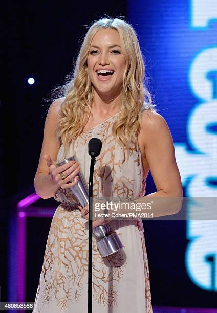 Actress Kate Hudson accepts the Celebrity Role Model of the Year award onstage during the PEOPLE Magazine Awards at The Beverly Hilton Hotel on...