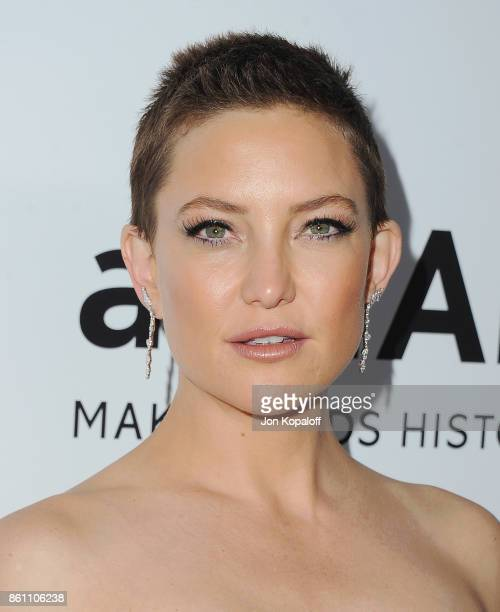 Actress Kate Hudson arrives at amfAR Los Angeles 2017 at Ron Burkleâs Green Acres Estate on October 13 2017 in Beverly Hills Californi