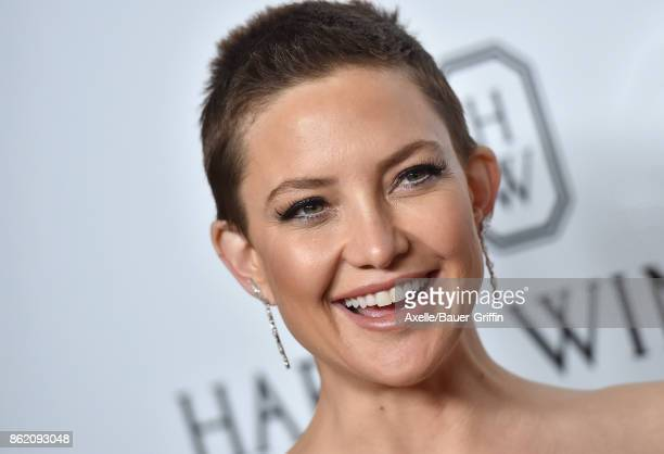 Actress Kate Hudson arrives at amfAR Los Angeles 2017 at Ron Burkle's Green Acres Estate on October 13 2017 in Beverly Hills California
