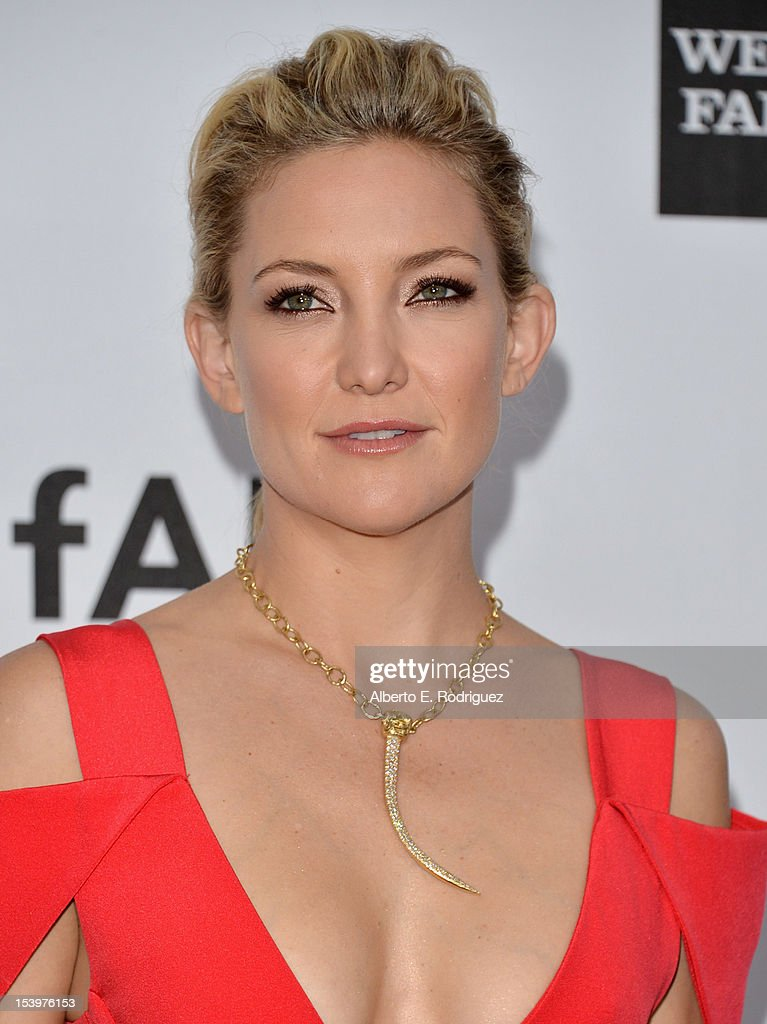 Actress Kate Hudson arrives at amfAR's Inspiration Gala at Milk Studios on October 11, 2012 in Hollywood, California.
