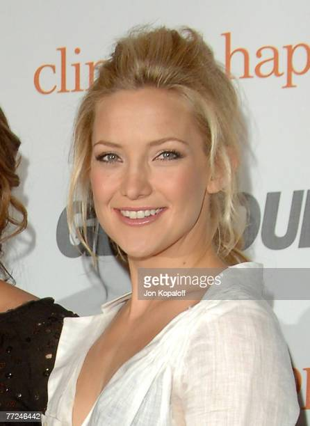 Actress Kate Hudson arrives at the Glamour Reel Moments Party sponsored by Glamour Magazine at the Directors Guild of America on October 9 2007 in...