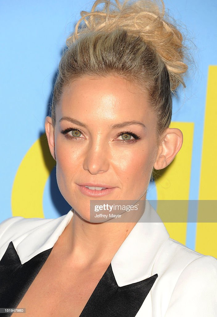 Actress Kate Hudson arrives at the 'GLEE' Premiere Screening And Reception at Paramount Studios on September 12, 2012 in Hollywood, California.