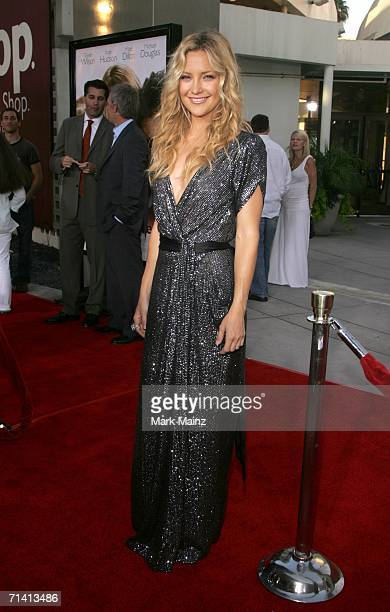 Actress Kate Hudson arrives at the Universal Pictures premiere of You Me Dupree at the Cinerama Dome on July 10 2006 in Hollywood California