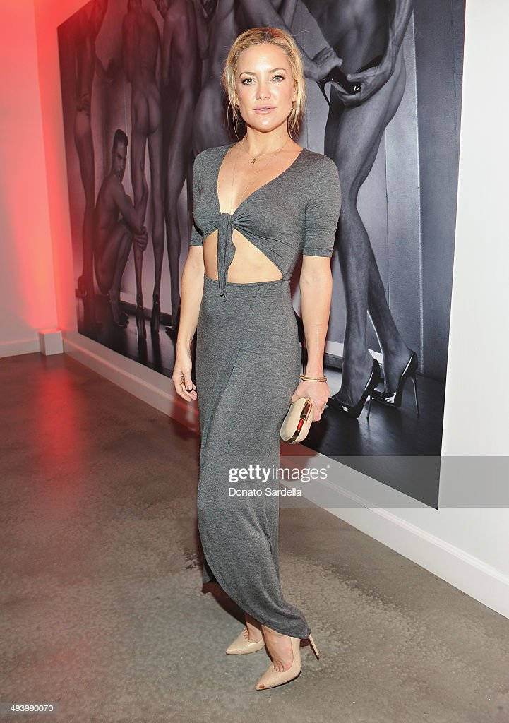Actress Kate Hudson attends Brian Atwood's Celebration of PUMPED hosted by Melissa McCarthy and Eric Buterbaugh on October 23, 2015 in Los Angeles, California.
