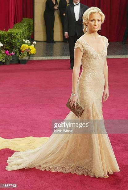 Actress Kate Hudson attends the 75th Annual Academy Awards at the Kodak Theater on March 23, 2003 in Hollywood, California.