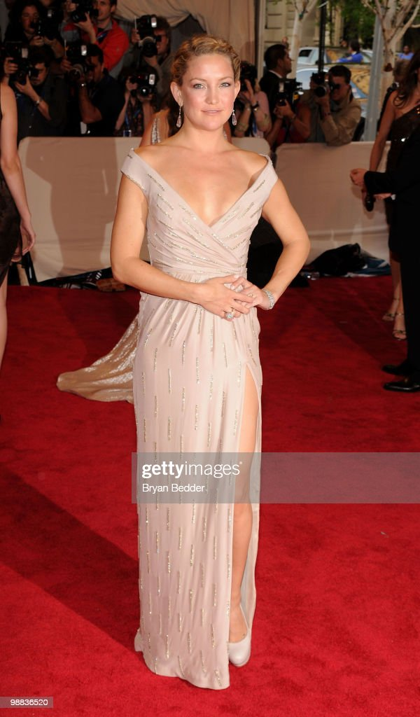 Actress Kate Hudson attends the Metropolitan Museum of Art's 2010 Costume Institute Ball at The Metropolitan Museum of Art on May 3, 2010 in New York City.