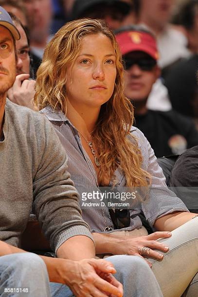 Actress Kate Hudson watches a game from courtside between the Los Angeles Clippers and the Los Angeles Lakers at Staples Center on April 5 2009 in...
