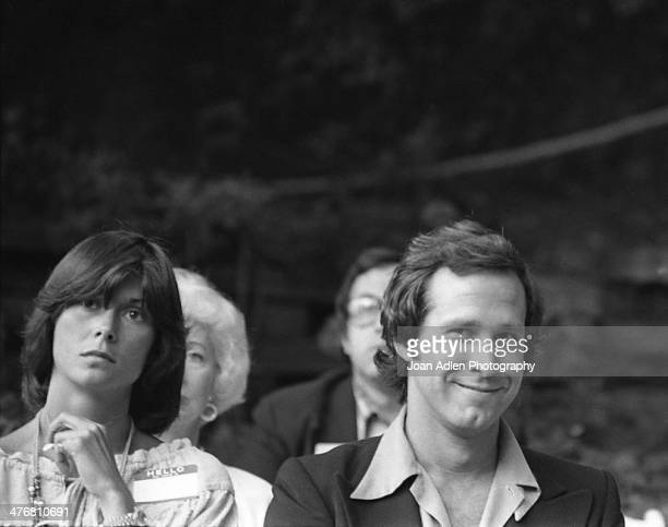 Actress Kate Jackson sits next to actor Chevy Chase at an ERA event hosted by and at the home of actress producer and social activist Marlo Thomas in...