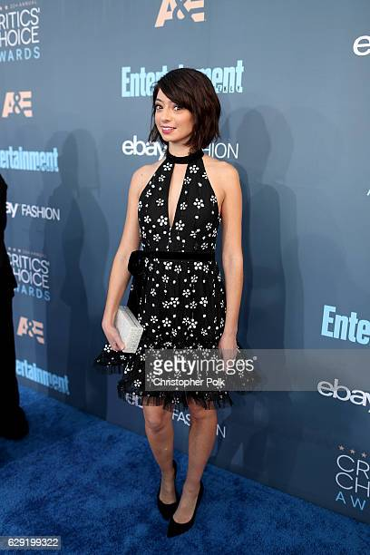 Actress Kate Micucci attends The 22nd Annual Critics' Choice Awards at Barker Hangar on December 11 2016 in Santa Monica California