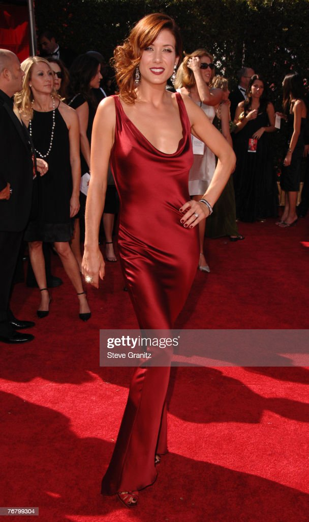Actress Kate Walsh arrives at the 59th Annual Primetime Emmy Awards at the Shrine Auditorium on September 16, 2007 in Los Angeles, California.