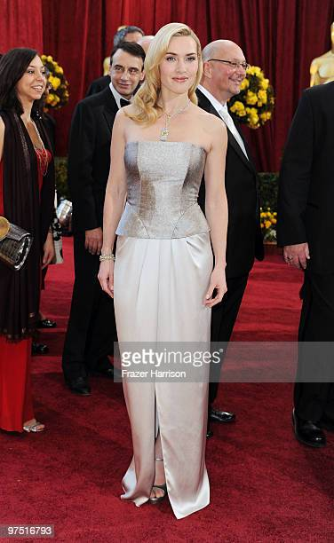 Actress Kate Winslet arrives at the 82nd Annual Academy Awards held at Kodak Theatre on March 7, 2010 in Hollywood, California.
