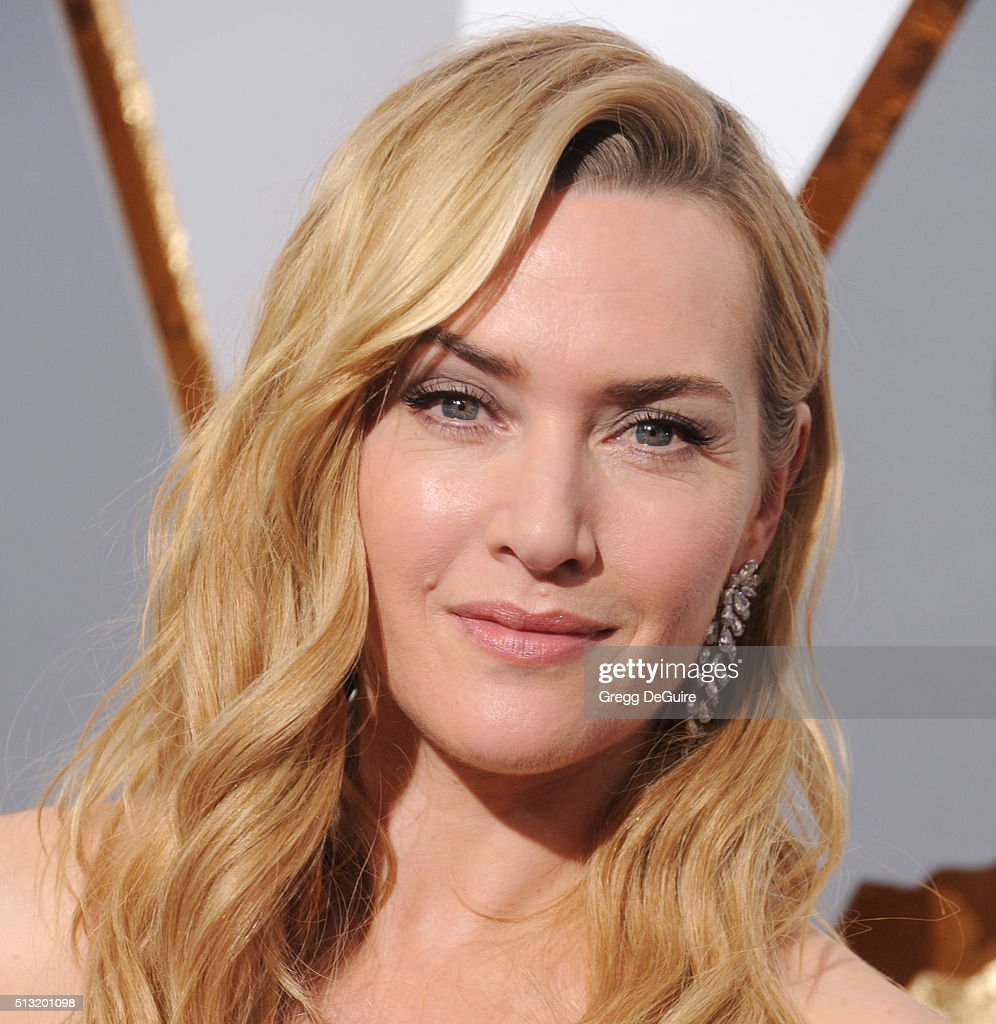 Actress Kate Winslet arrives at the 88th Annual Academy Awards at Hollywood & Highland Center on February 28, 2016 in Hollywood, California.