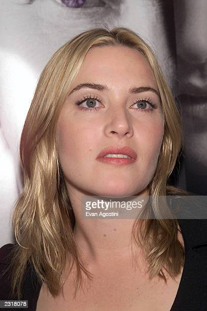 Actress Kate Winslet arriving at the world film premiere of Miramax's 'Iris' at the Paris Theatre in New York City 12/2/2001 Photo Evan...