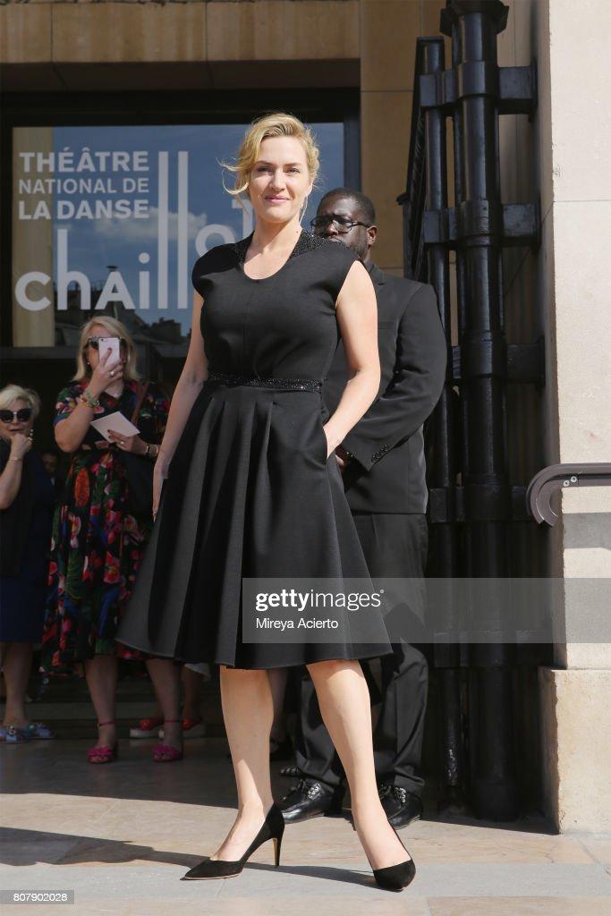 Giorgio Armani Prive : Outside Arrivals - Paris Fashion Week - Haute Couture Fall/Winter 2017-2018