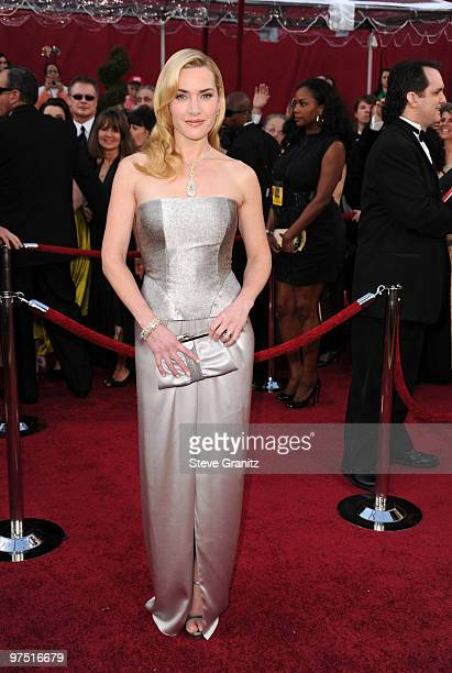 Actress Kate Winsletarrives at the 82nd Annual Academy Awards held at the Kodak Theatre on March 7 2010 in Hollywood California