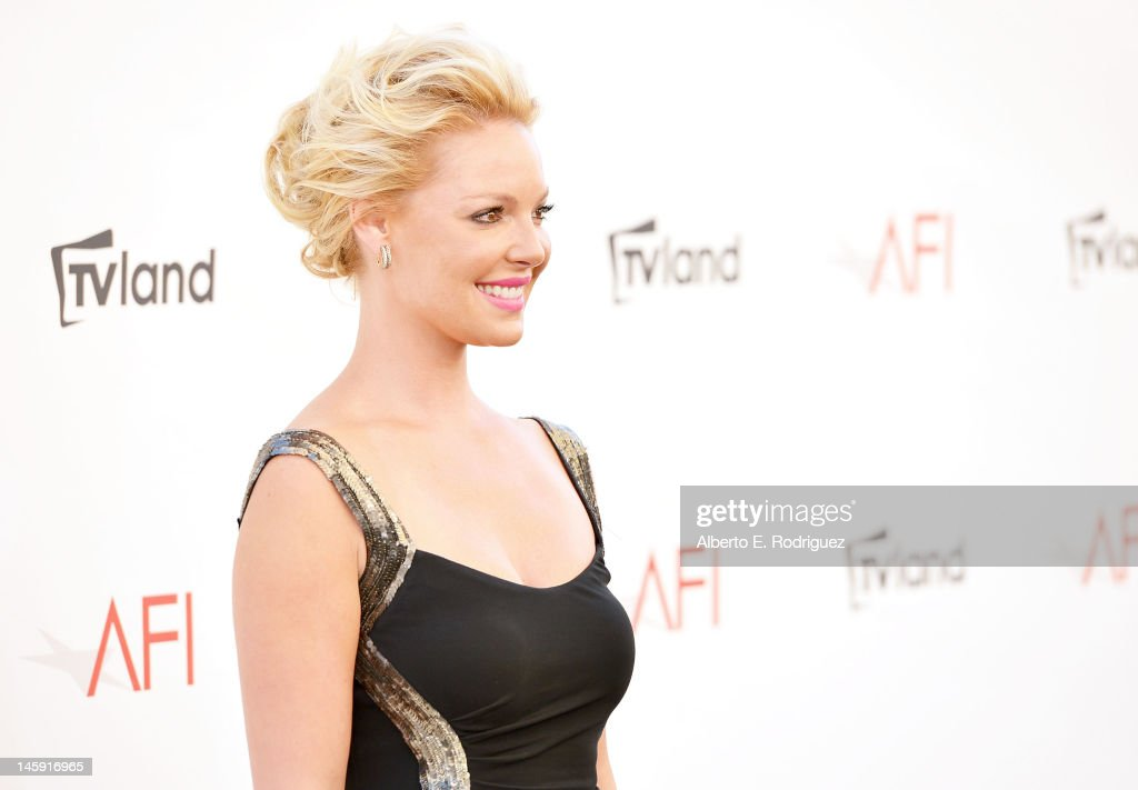 40th AFI Life Achievement Award Honoring Shirley MacLaine - Arrivals : News Photo