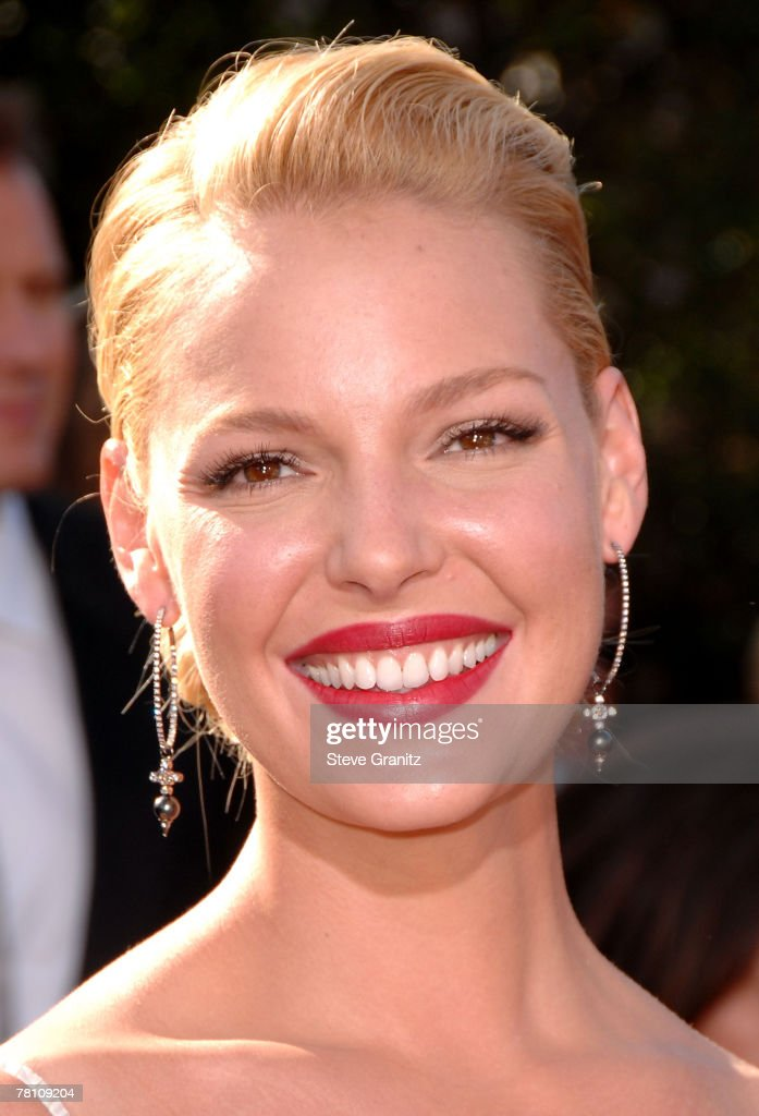 Actress Katherine Heigl arrives at the 59th Annual Primetime Emmy Awards at the Shrine Auditorium on September 16, 2007 in Los Angeles, California.