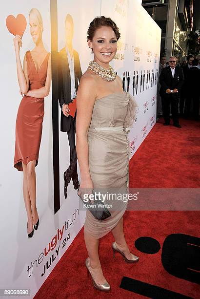 e4fff1e65 Actress Katherine Heigl arrives at the premiere of Columbia Pictures' The  Ugly Truth held at