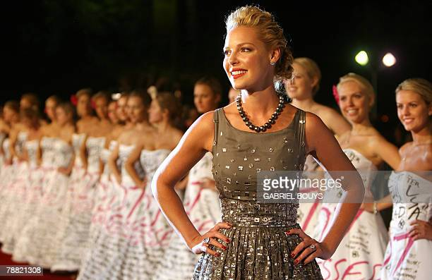 US actress Katherine Heigl arrives for the premiere of 27 Dresses in Westwood California 07 January 2008 AFP PHOTO/GABRIEL BOUYS