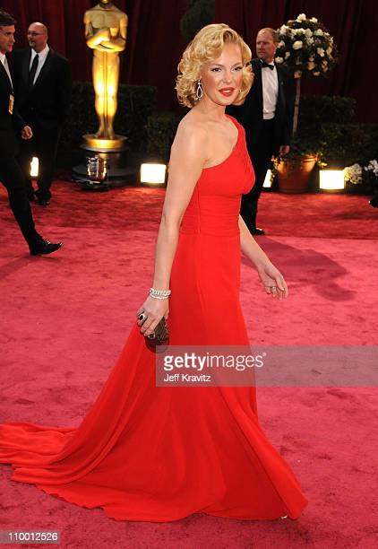 Actress Katherine Heigl attends the 80th Annual Academy Awards at the Kodak Theatre on February 24 2008 in Los Angeles California