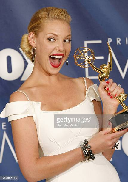 Actress Katherine Heigl poses in the pressroom with her Emmy during the 59th Annual Primetime Emmy Awards at the Shrine Auditorium on September 16,...