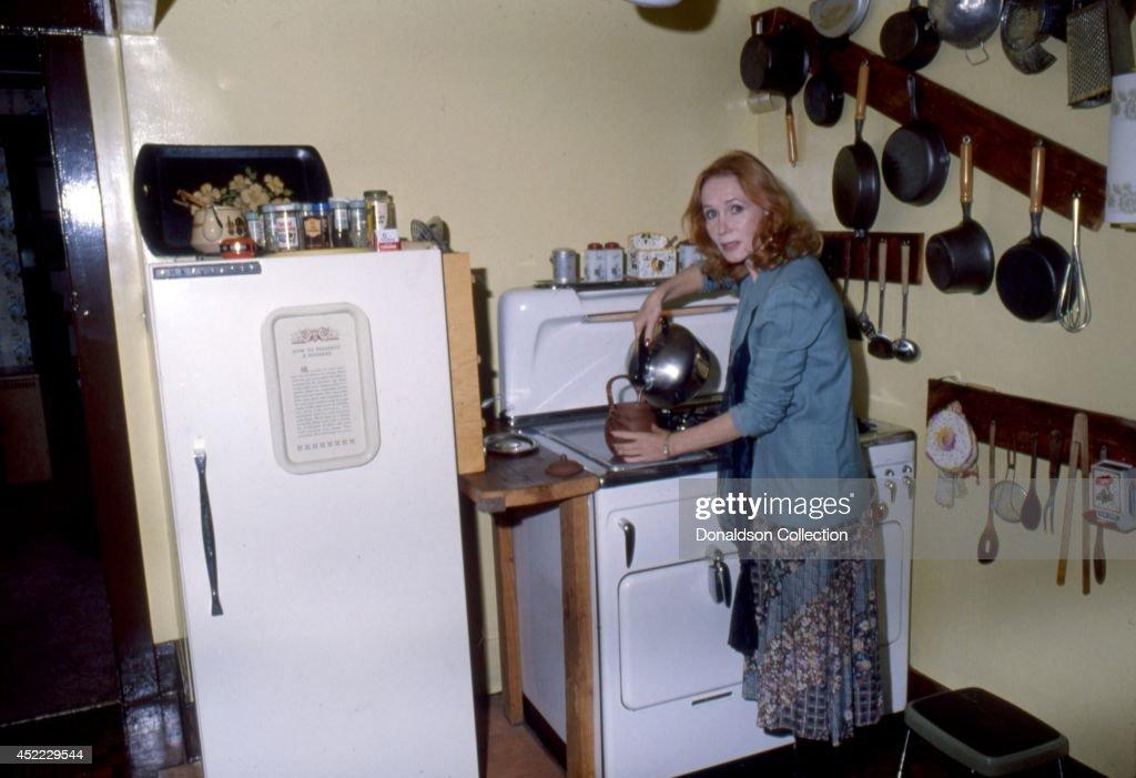 Actress Katherine Helmond Portrait Session At Home : News Photo
