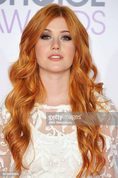 Actress Katherine McNamara arrives at the People's Choice Awards 2016 at Microsoft Theater on January 6 2016 in Los Angeles California