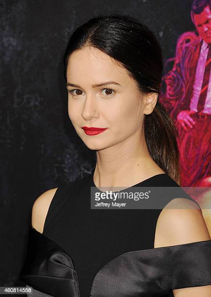 Actress Katherine Waterston arrives at the Premiere of Warner Bros Pictures' 'Inherent Vice' at TCL Chinese Theatre on December 10 2014 in Hollywood...