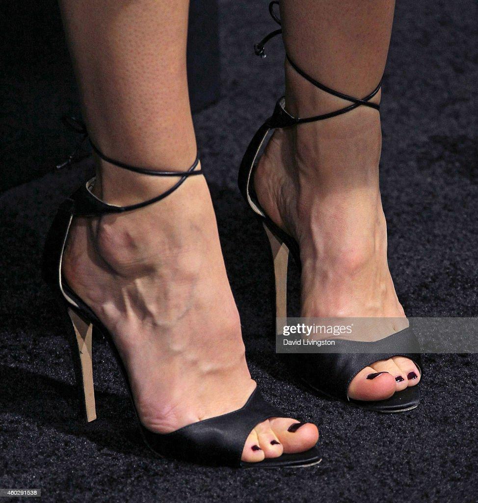 Waterston feet katherine Katherine Waterston