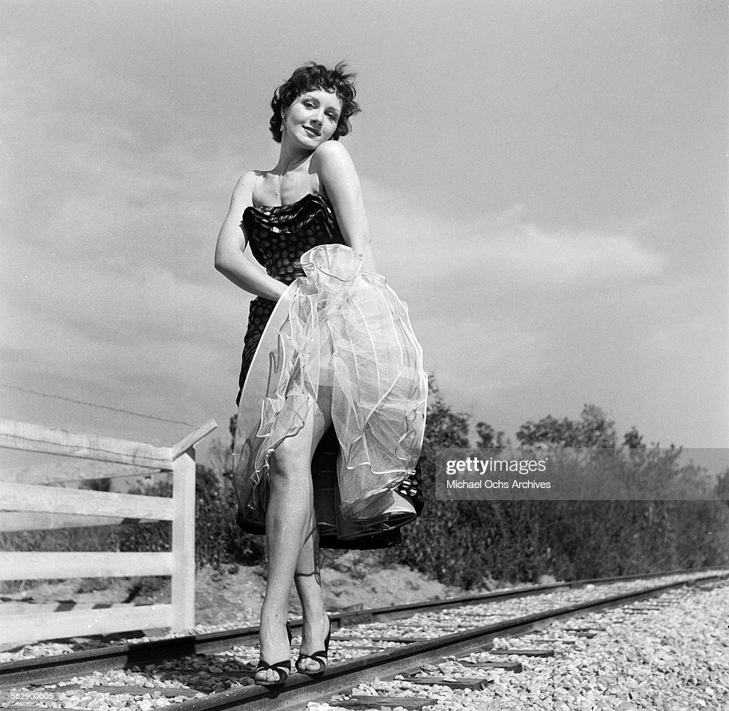 Elizabeth Ramsey (1931?015) Adult images Hadis Fooladvand,Kay Aldridge