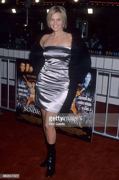 Actress Kathleen McClellan attends the Any Given Sunday Westwood Premiere on December 16 1999 at the Mann Village Theatre in Westwood California