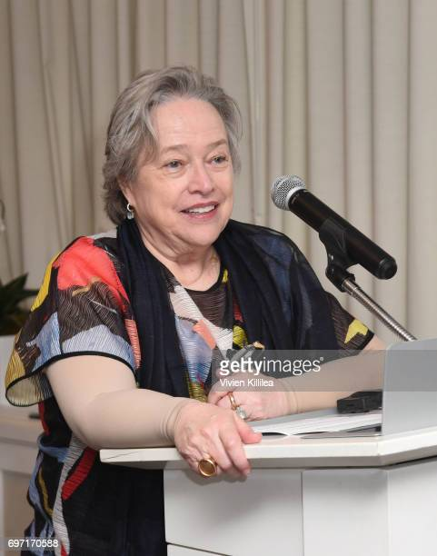 Actress Kathy Bates speaks at Academy Award Winner and LERN Spokesperson Kathy Bates Hosts Reception On The Eve Of The Third Annual California...