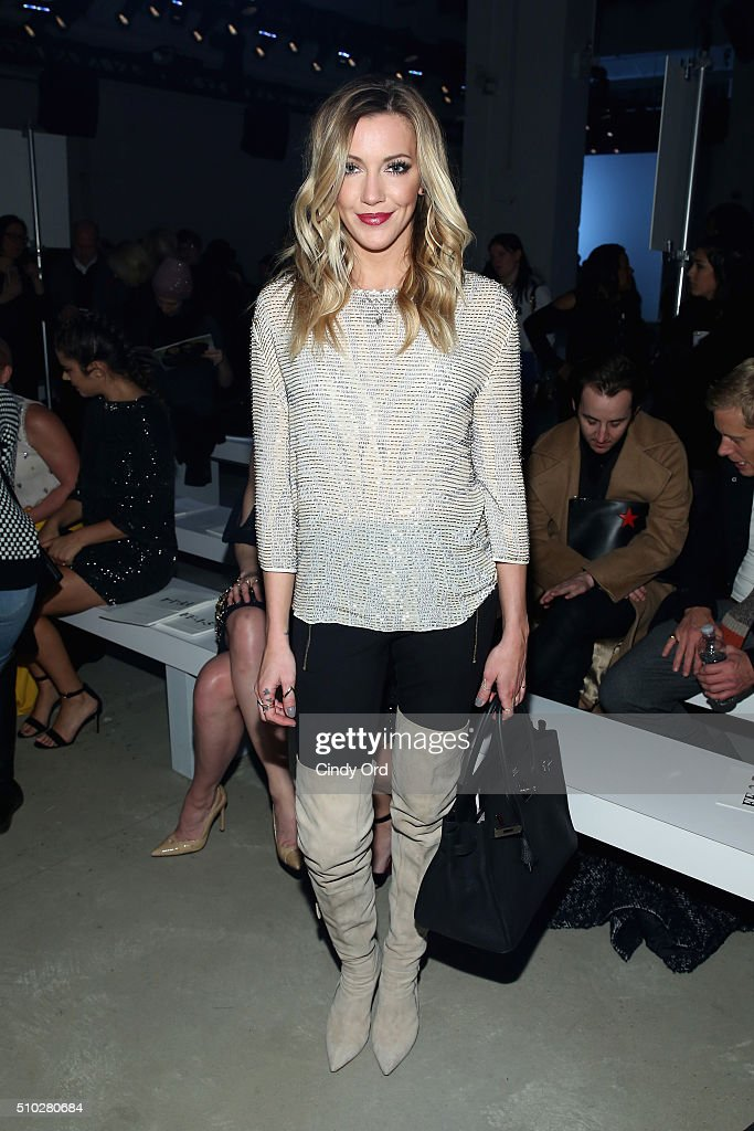Jenny Packham - Front Row - Fall 2016 New York Fashion Week: The Shows : News Photo