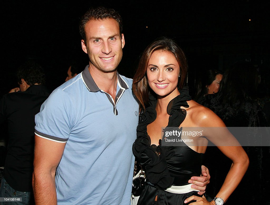 Actress Katie Cleary (R) and Andrew Stern attend Coca Cola's 200th Anniversary of Mexico's Independence Celebration at W Hollywood on September 15, 2010 in Hollywood, California.