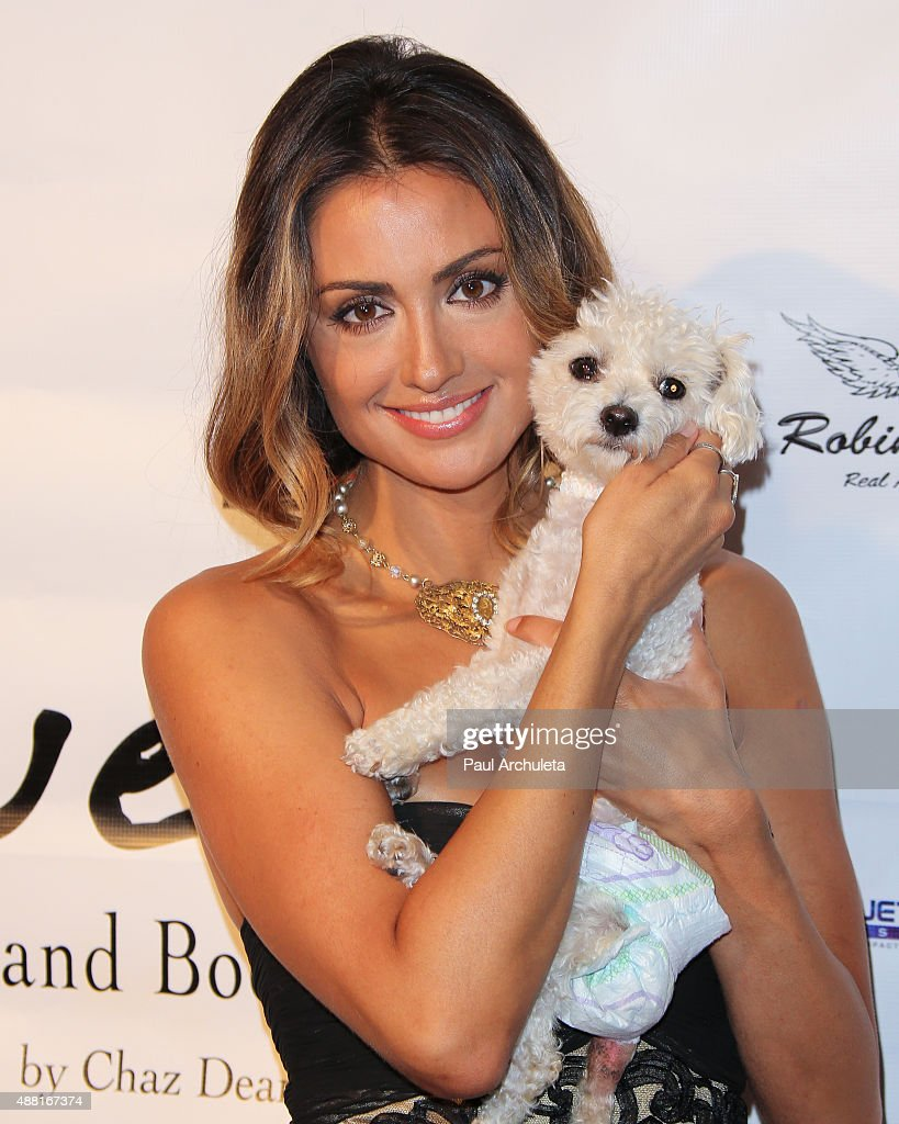 Actress Katie Cleary attends 'Putting For Pups' golf tournament and gala at Brookside Golf Club on September 13, 2015 in Pasadena, California.