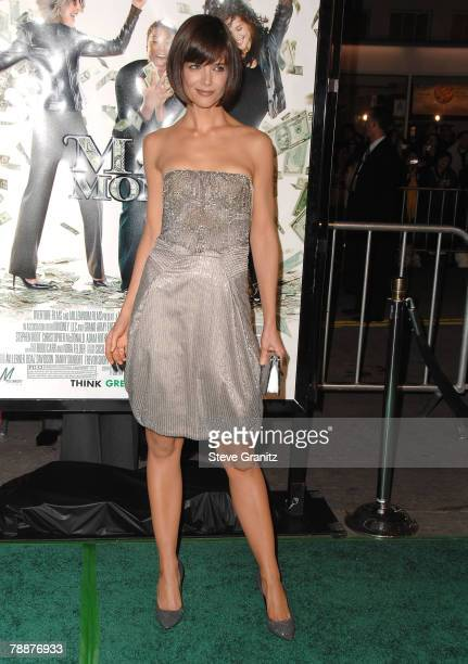 """Actress Katie Holmes arrive at the """"Mad Money""""premiere at Mann Village Theater on January 9, 2008 in Westwood, California."""