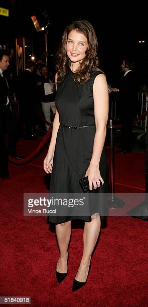 Actress Katie Holmes arrives at the Warner Bros premiere of the film Ocean's Twelve at Grauman's Chinese Theatre December 8 2004 in Hollywood...