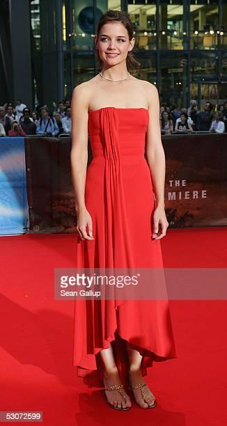 Actress Katie Holmes arrives for the German premiere of Batman Begins at the Cinestar June 15 2005 in Berlin Germany