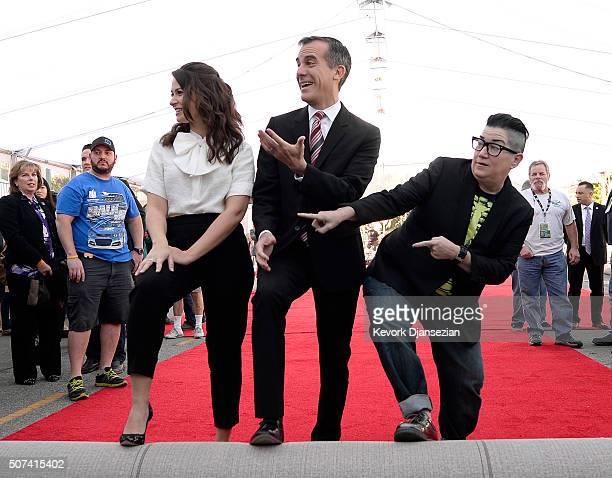 Actress Katie Lowes SAG Awards Social Media Ambassador Los Angeles Mayor Eric Garcetti and actress Lea DeLaria nominee for SAG Awards Comedy Ensemble...