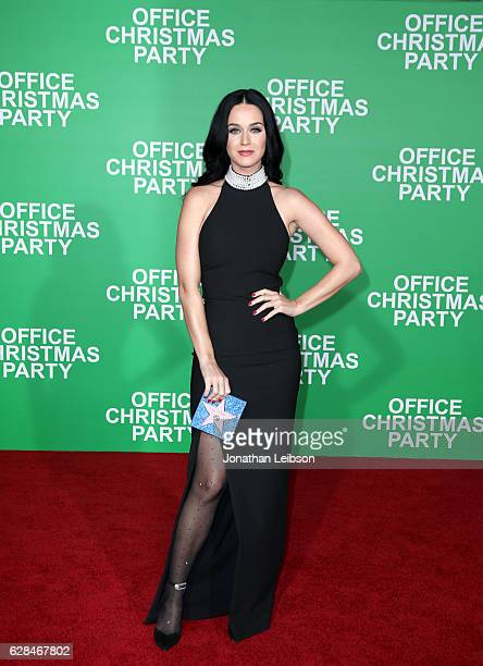 Actress Katy Perry attends the LA Premiere of Paramount Pictures Office Christmas Party at Regency Village Theatre on December 7 2016 in Westwood...