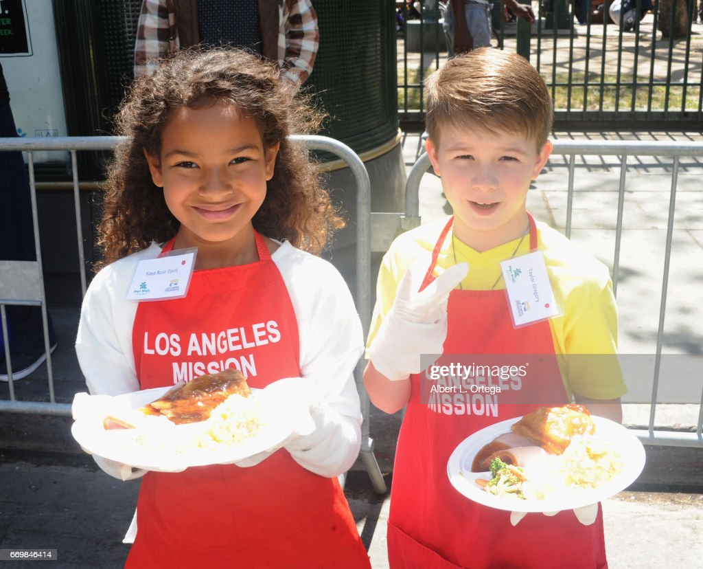 Los Angeles Mission's Easter Celebration : News Photo