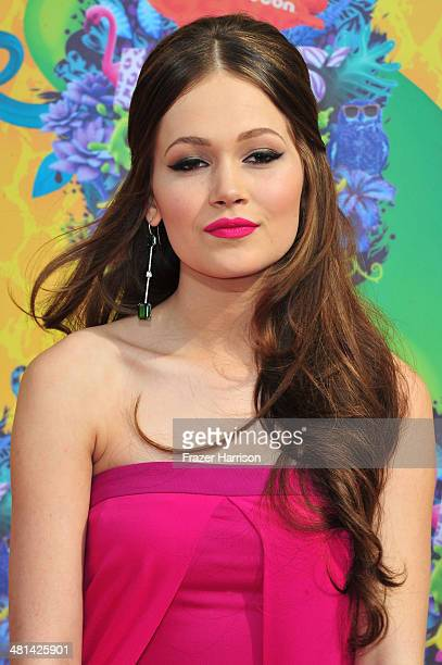 Actress Kelli Berglund attends Nickelodeon's 27th Annual Kids' Choice Awards held at USC Galen Center on March 29 2014 in Los Angeles California