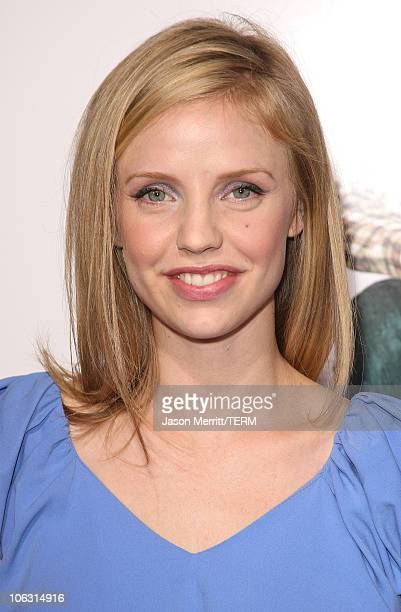 Actress Kelli Garner arrives at the 'Lars and the Real Girl' Los Angeles Premiere at The Academy of Motion Picture Arts and Sciences on October 2...